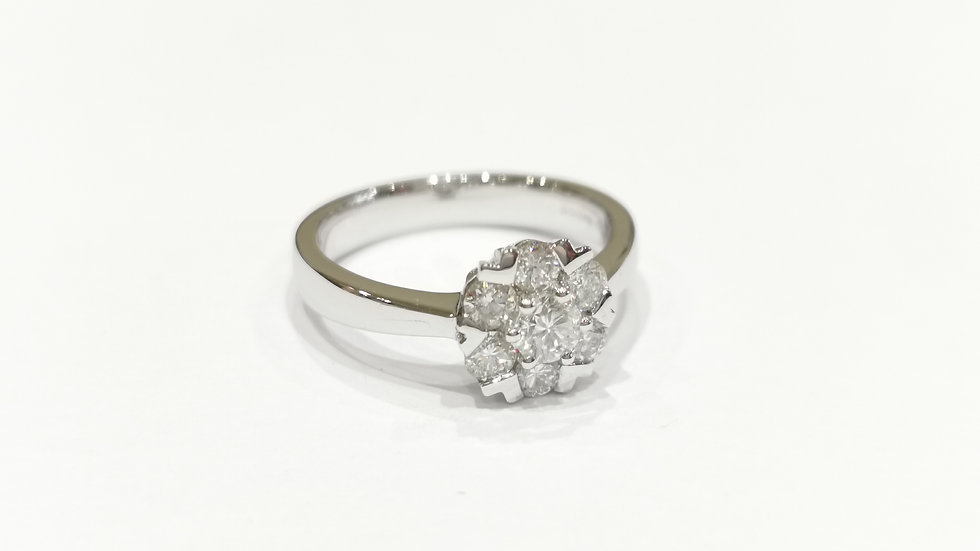 18ct White Gold Fancy Cluster Diamond Ring