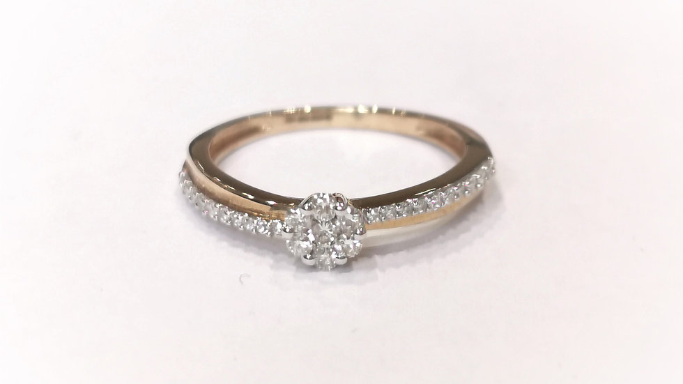 9ct Yellow Gold Diamond Cluster With Crossover Shank