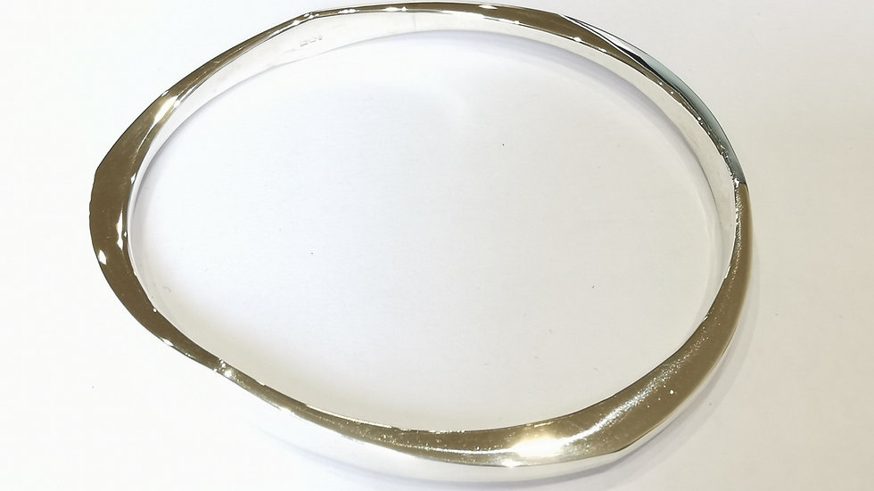 Silver Triangular Effect Tapered Slave Bangle