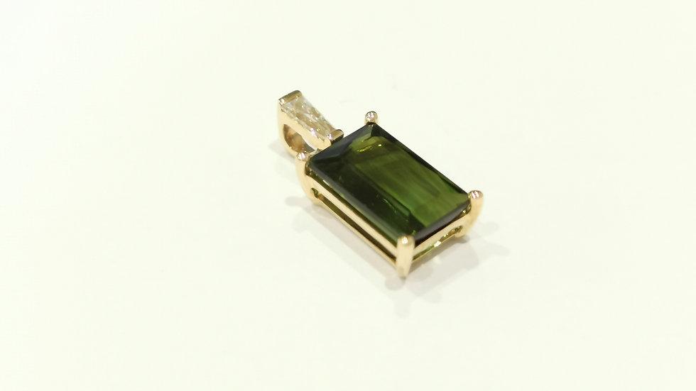 18ct Yellow Gold Tourmaline and Diamond Pendant