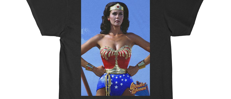 Wonder Woman Linda Carter shot Men's Short Sleeve Tee