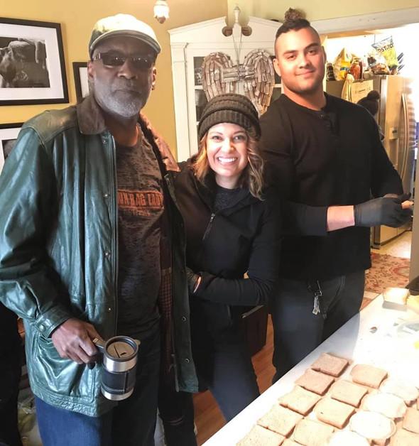 Melvyn, Crystal, and John making turkey samiches.🤣