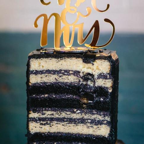 Little black dress wedding cake.
