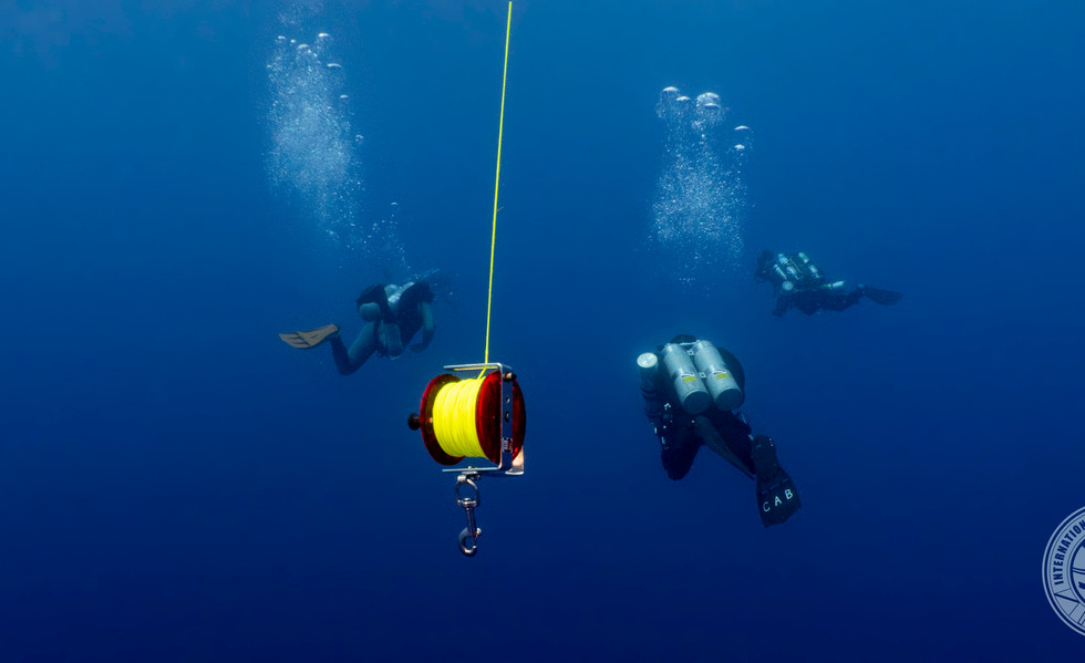 Divers Decoing