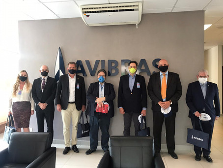 Avibras recebe parlamentares da Frente Parlamentar Ampla da Economia de Defesa.