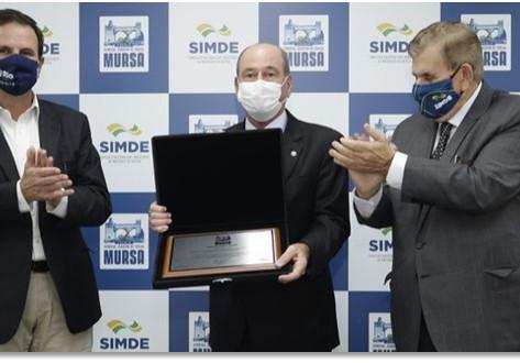 Ministro da Defesa recebe Prêmio Mursa e destaca papel do SIMDE no combate à COVID 19