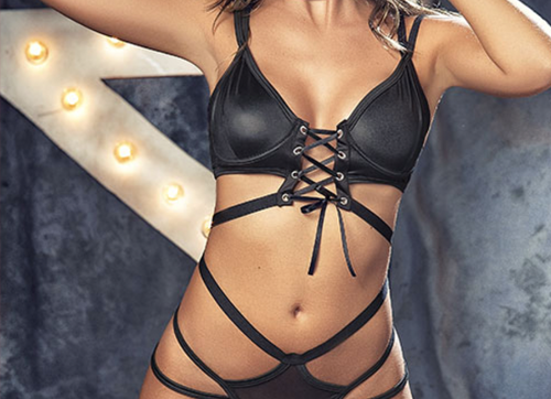 Nala Strappy Set With Collar