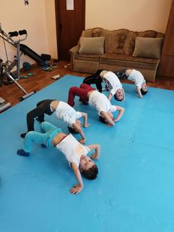 гимнастика младшие