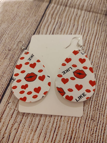 Red lips & hearts - Leather Earrings