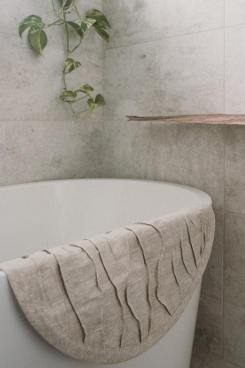 Round Wavy Linen Bathroom Rug