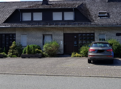 Parkplatz direkt vor dem Haus