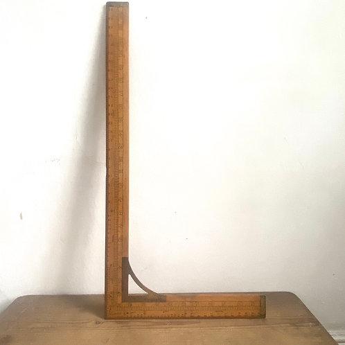 Boxwood Proportionate Waist Measure