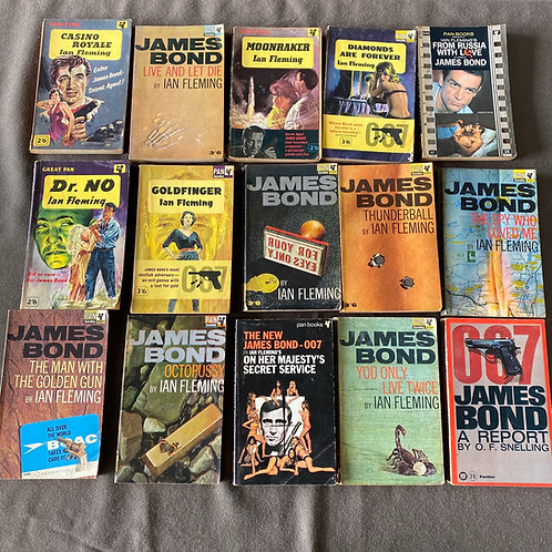 15 James Bond Pan Paperbacks