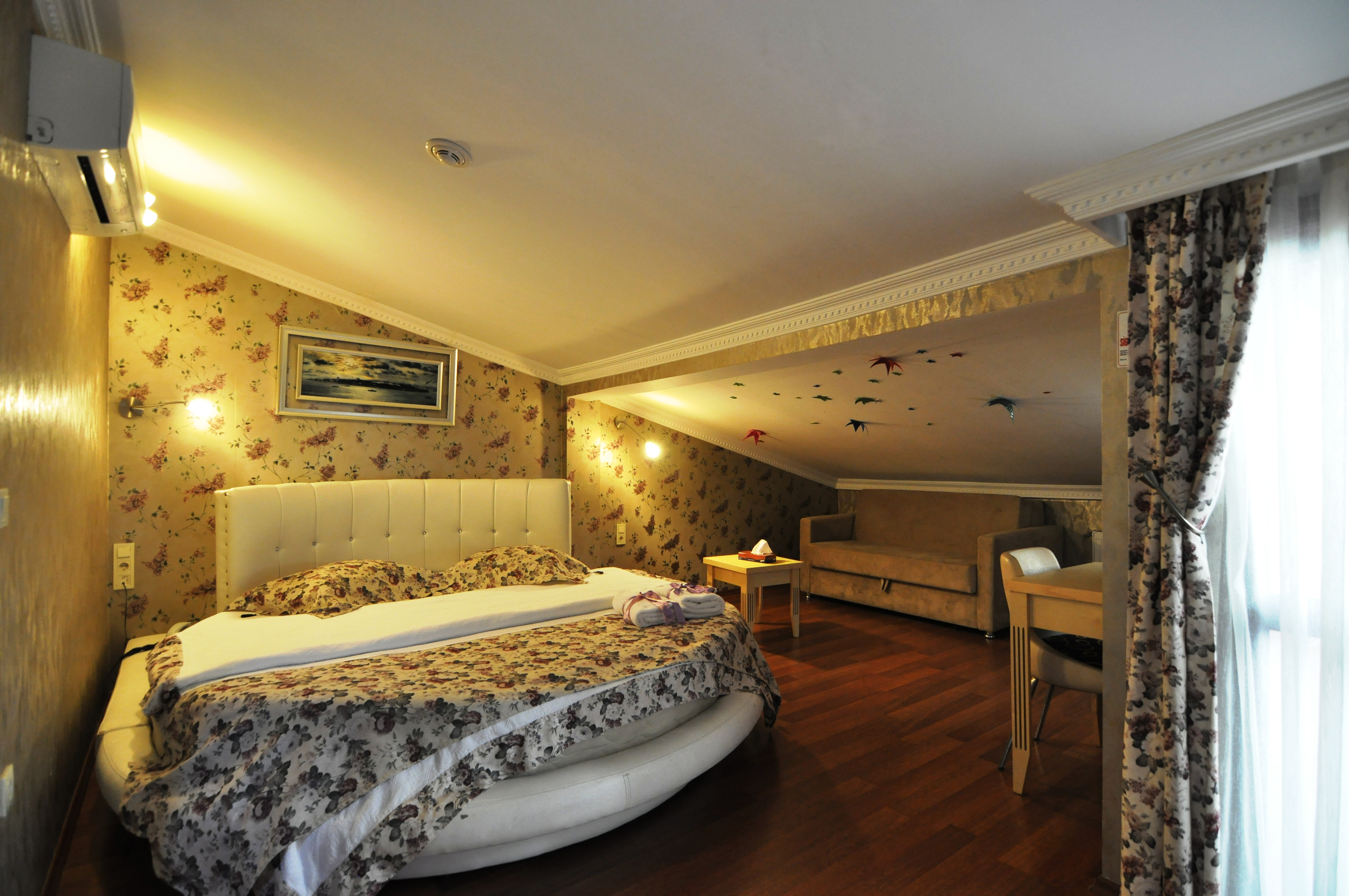 Standard Double Room (6)