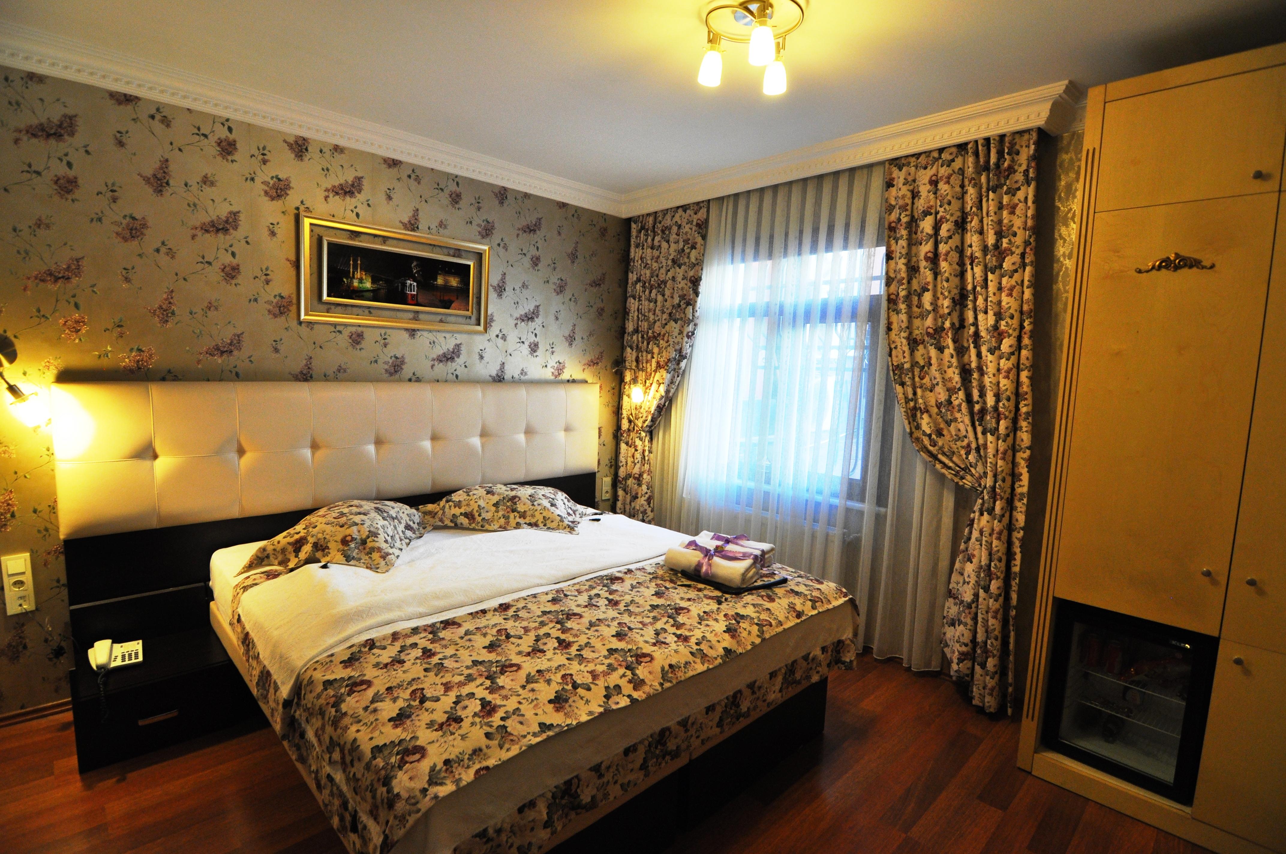 Standard Double Room (5)