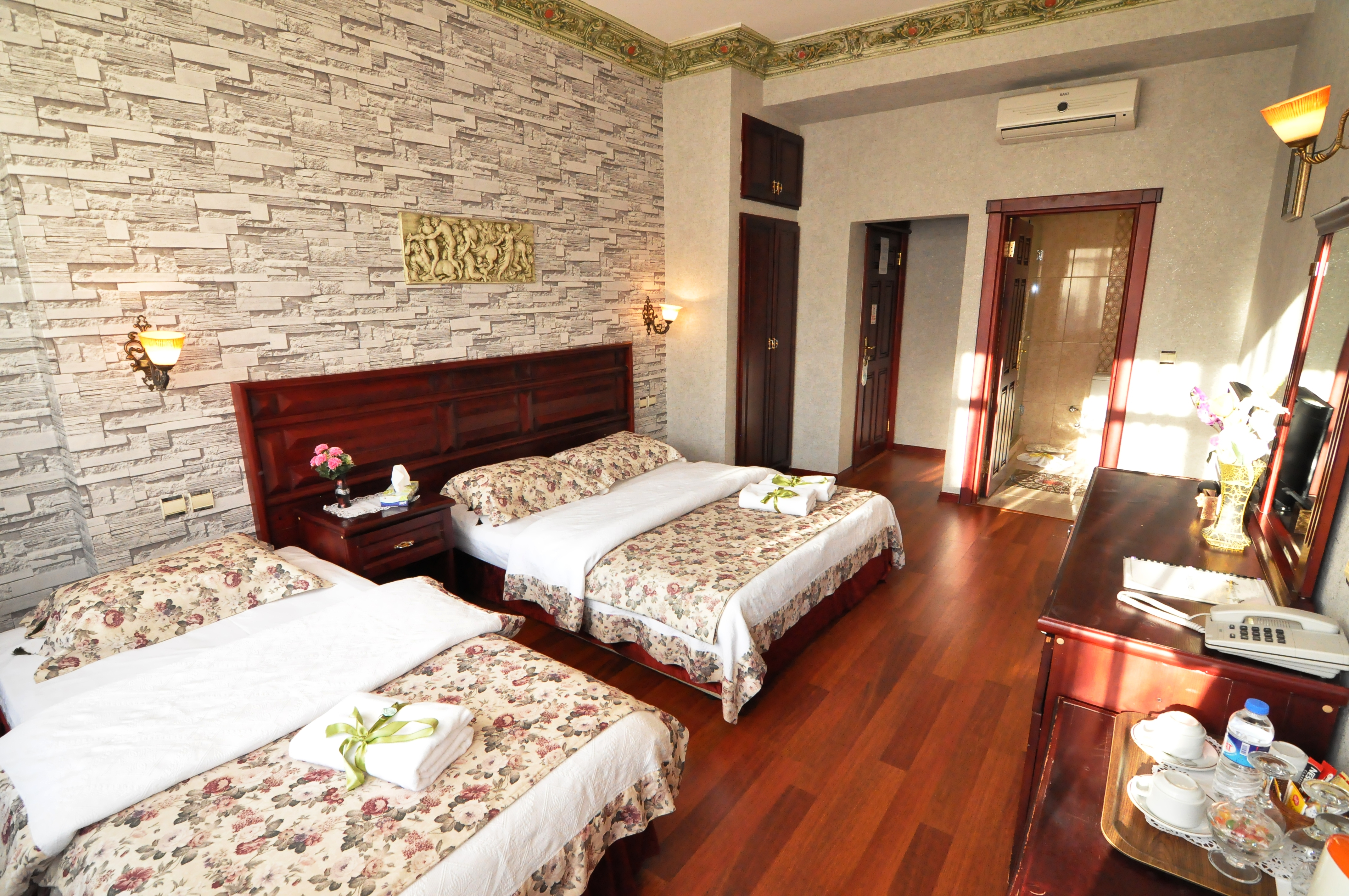 Standard Triple Room (5)