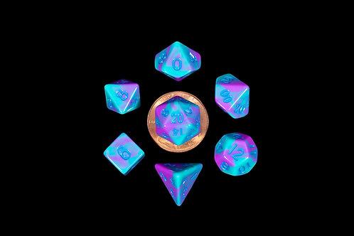 Set de mini dés en résine bicolore bleu violet