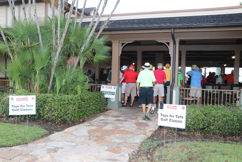 Golfers arive. Photo Credit: Tom Ciesla