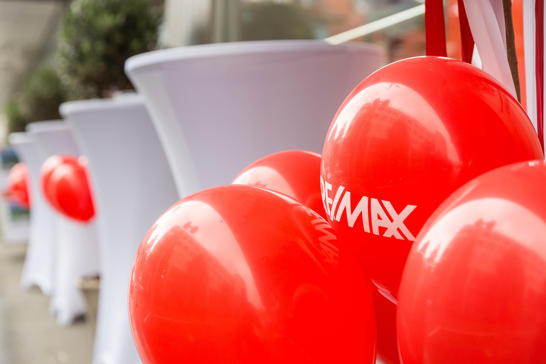 remax-8