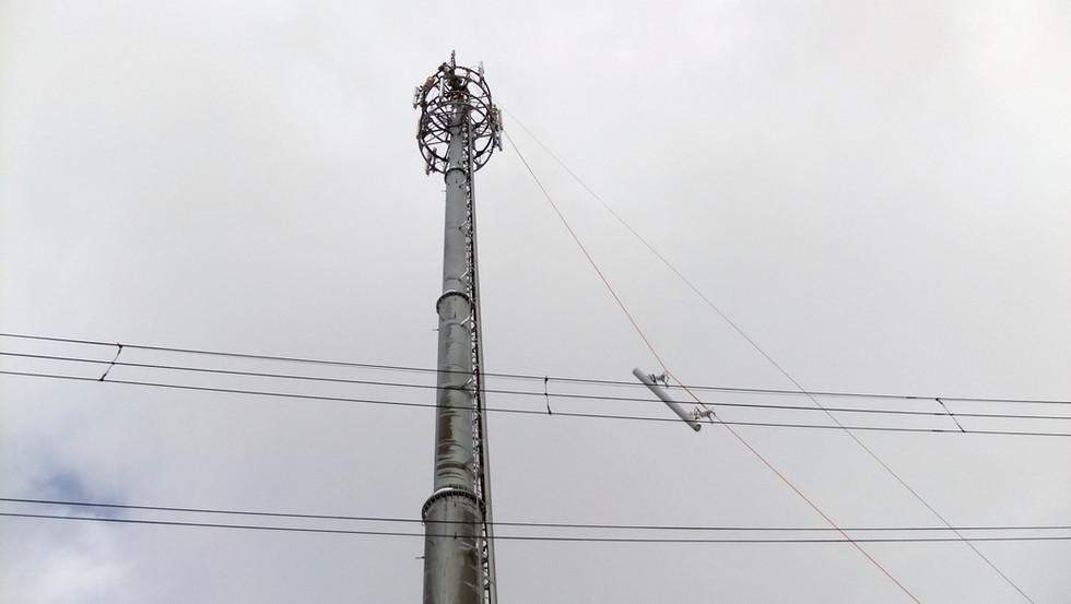 携帯基地局アンテナ交換