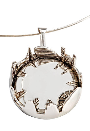 Looking into London Necklace