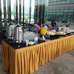 Buffet Setting 11
