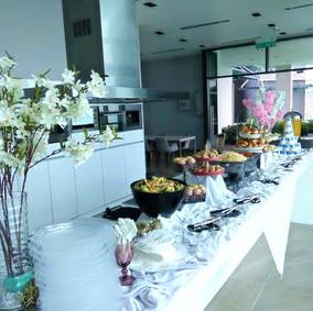 Buffet Setting 4