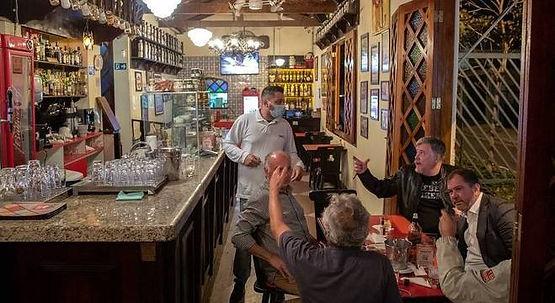 Cidade de SP terá o primeiro fim de semana de bares abertos à noite.