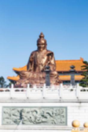 Laozi statue in yuanxuan taoist temple g