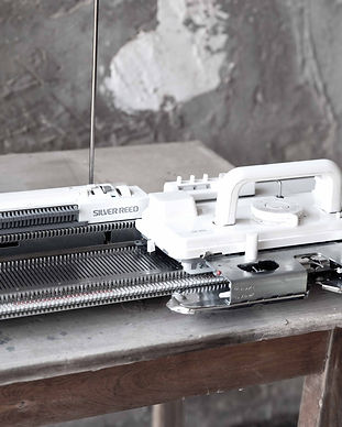 מכונת סריגה.jpg
