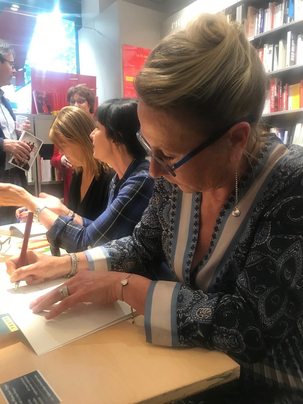 Catherine Salinas, Véronique Fauvergue et Caroline de Juglart étaient en dédicace le 6 juin à la librairie Albin Michel, Boulevard Saint-Germain.