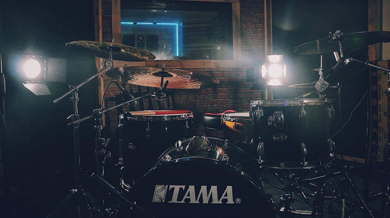 Recording Studio Tama Drum Kit