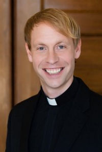 Pastor Noah Headshot_sl.jpg