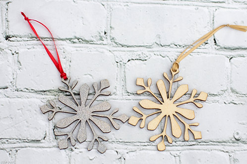 6005 - Christmas ornament Snowflakes