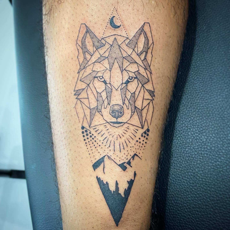 10.2020 Wolf Line work