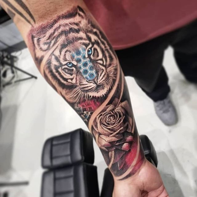Original forearm piece by _maliboosmiley