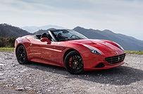 Rent Ferrari California in Milano