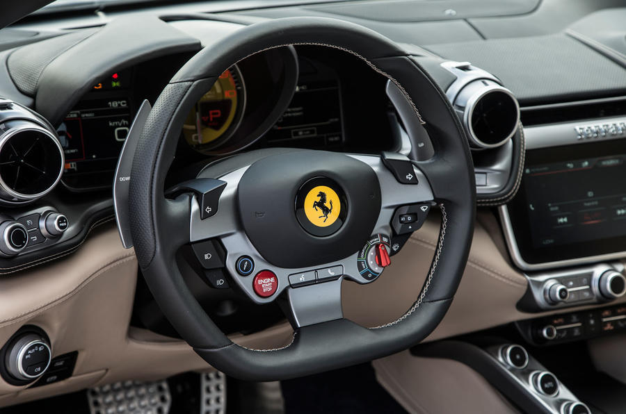 Rent Ferrari GTC4 Lusso in Rome