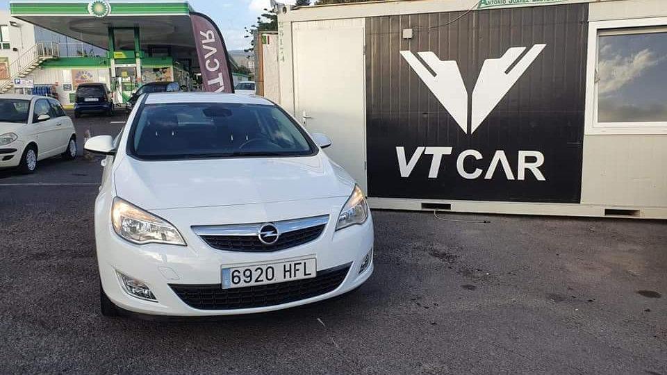 Opel Astra 1.6 Gasolina 150000km Año 2011