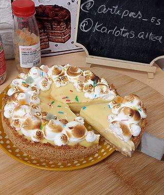 Pie de maracuyá y merengue suizo tostado