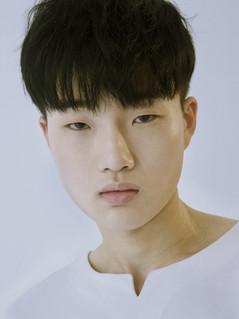 JUN JI HOON