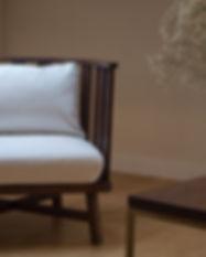 fauteuil coussin bois design Table sur-mesure en chêne massif certifié PEFC pied en metal table design table de salle à manger