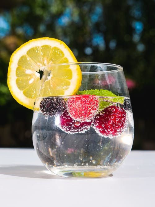 4 Detox Waters For Younger Looking Skin