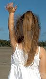 child-waving-goodbye-595429_1280-1541729