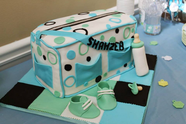 Sculpted Diaper Bag Cake