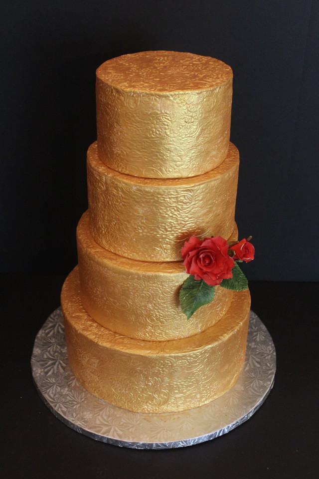 Gold Painted Wedding Cake with Roses