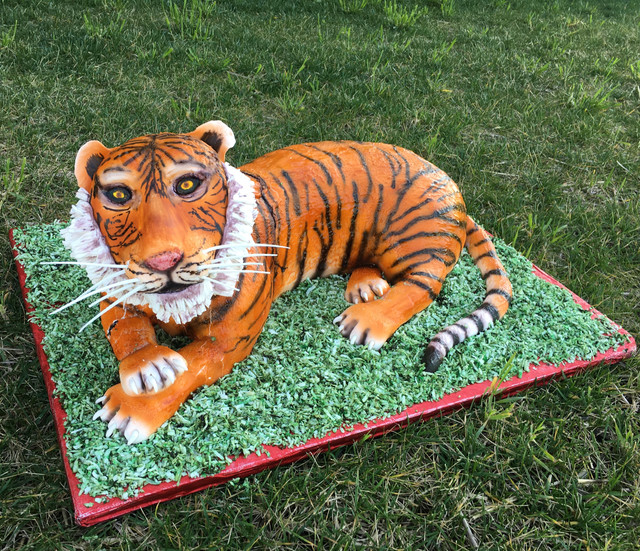 Sculpted Tiger Cake