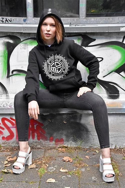 Schwarzer NOMIN Hoodie (D/H) mit NOMIN-Logo vorne + NOMIN-Schriftzug auf Kapuze