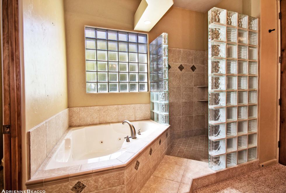 Master Bathroom-2 (3).jpg