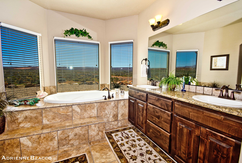 Master Bathroom-2 (7).jpg